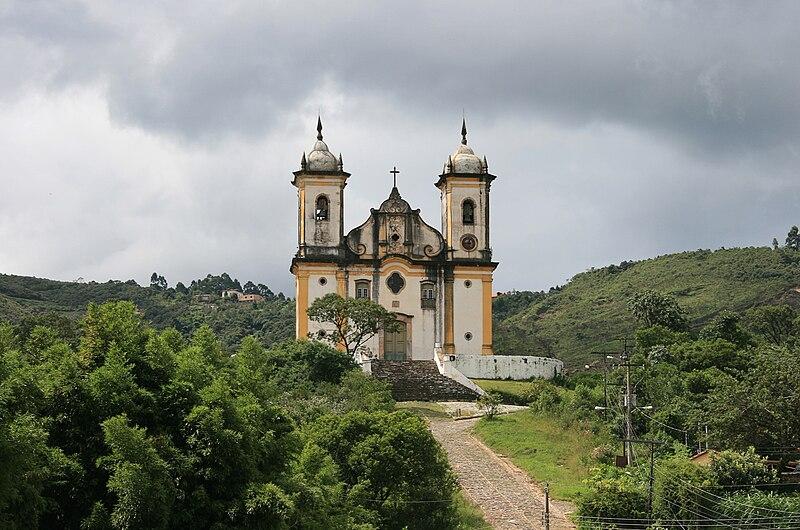 Ficheiro:Igreja s francisco paula ouro preto mg.jpg