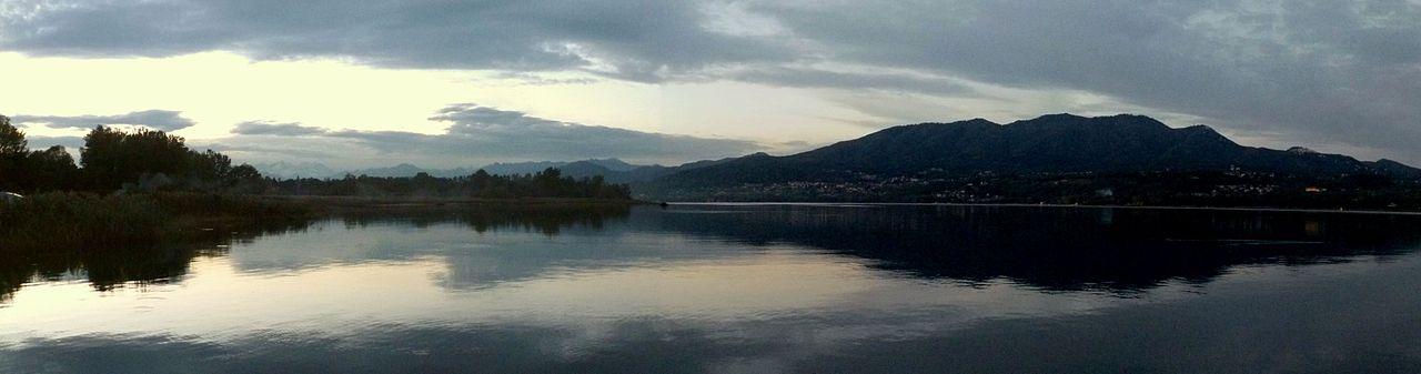 Il lago di Varese.jpg