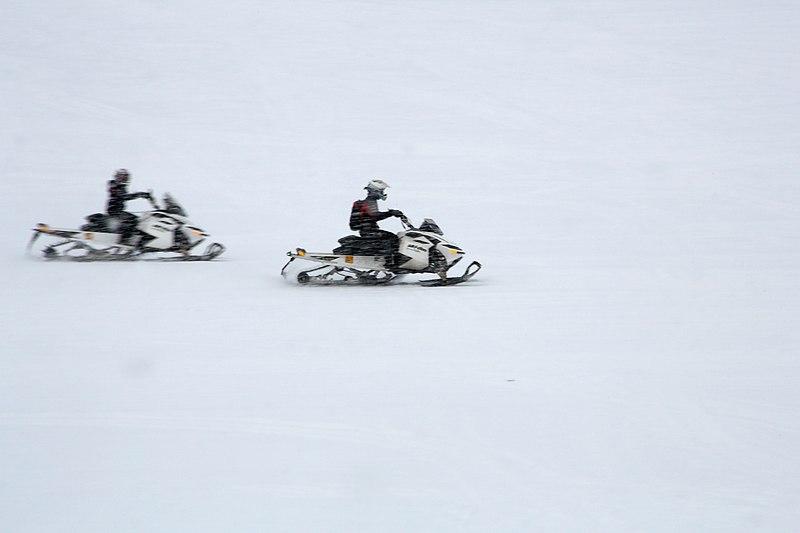 File:Inari, Suomi - Finland 2013-03-10 Inarijärvi snowmobile e.jpg