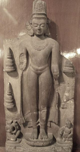 Indian Museum Sculpture - Crowned Buddha, 5c, Sarnath (9217987833).jpg