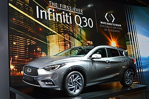 Infiniti Q30 at IAA 2015. Spielvogel.jpg