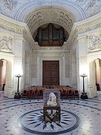 Intérieur de la chapelle royale de Dreux Eure-et-Loir France.jpg