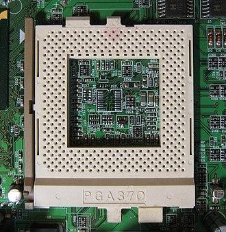 Socket 370 - Image: Intel Socket 370