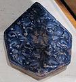 Iran, mattonella per decorazione parietale di tipo lajvardina, xiii-xiv sec.JPG
