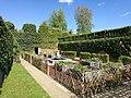 Jardin d'inspiration médiévale.jpg