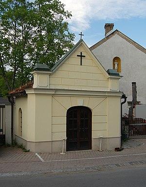 John_of_Nepomuk_chapel,_Oberwaltersdorf.jpg
