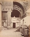 KITLV 92187 - Unknown - Access at the Chaitya hall in the temple in a cave at Karli in India - Around 1870.tif