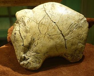 Portable art - Woolly mammoth sculpted in bone