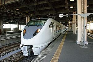 683 series - Image: Kanazawa sta 01ds 4592