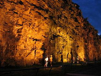 Kangaroo Point, Queensland - Kangaroo Point Cliffs after sunset