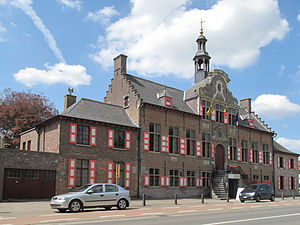 Kaprijke - Image: Kaprijke, stadhuis oeg 44708 foto 3 2013 05 05 13.46