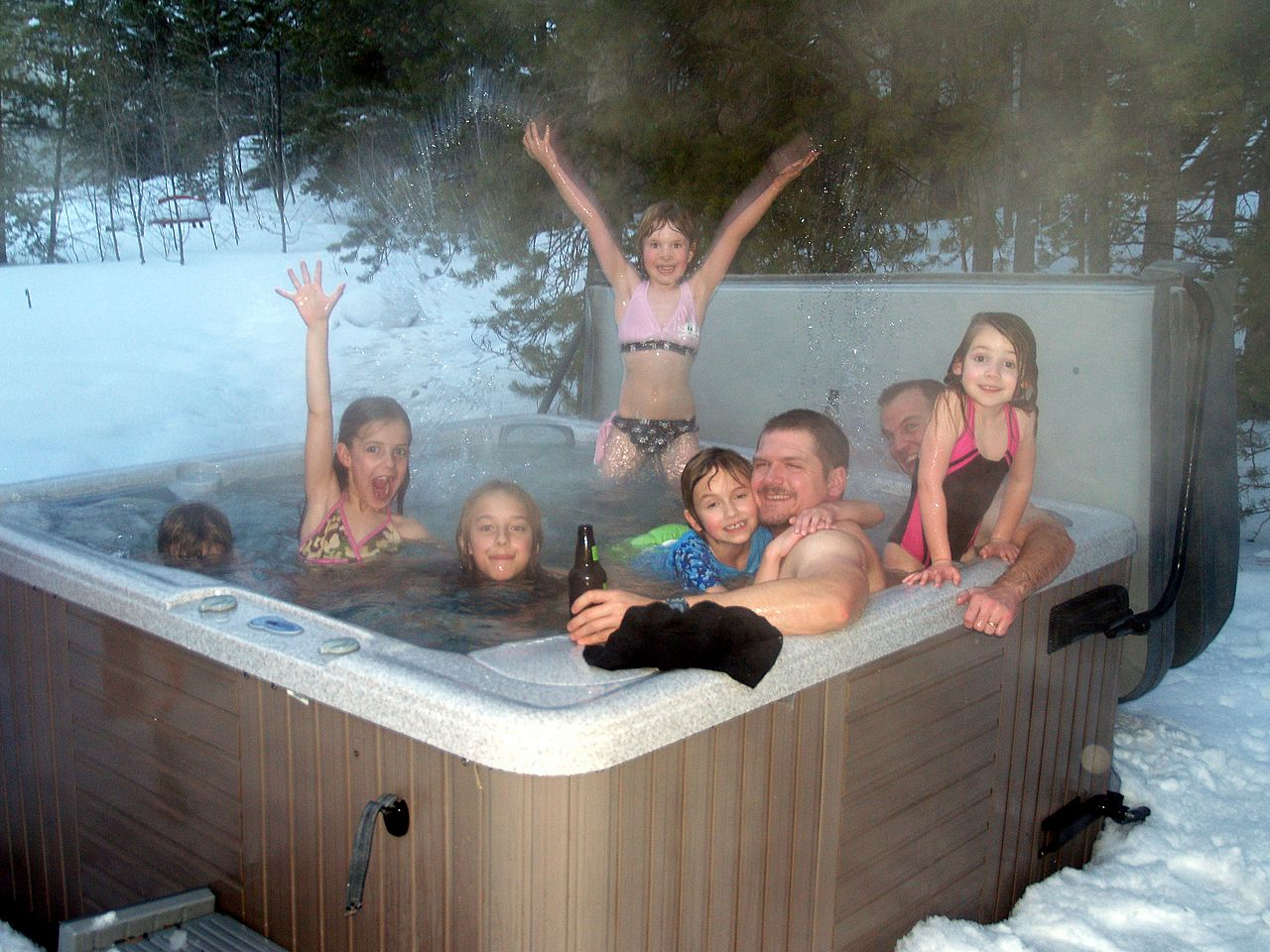 File keystone day 1 photo wikimedia commons for Types of hot tubs