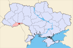 Map of Ukraine (blue) with Khotyn highlighted (red).