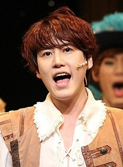 "Kyuhyun in ""The Three Musketeers"", 7 April 2013 02.jpg"