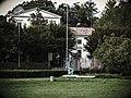 L'Attesa – monumento al Partigiano.jpg