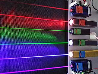 Red (660 & 635nm), green (532 & 520nm) and blue-violet (445 & 405nm) lasers
