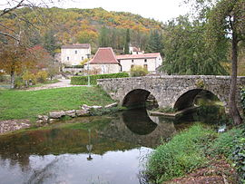 The old bridge over the Vert, in Labastide-du-Vert
