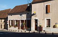 Lainsecq-mairie-02.jpg