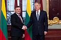 Latviju oficiālā vizītē apmeklē jaunievēlētais Lietuvas Seima priekšsēdētājs (8267115012).jpg