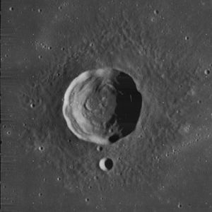 Le Verrier (lunar crater) - Image: Le Verrier crater 4127 h 2
