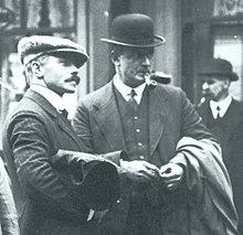 Photo du deuxième officier Lightoller et du troisième officier Pitman.