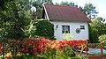 Lipkusz - Widok z pod domku nr 120 na dom sąsiada. - panoramio.jpg