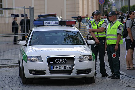 Lithuanian Police officers Lithuanian police Audi A6 in Vilnius.jpg