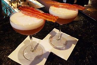 Bacon martini - Bacon and egg Martinis