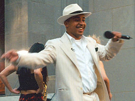 "Lou Bega faranta ""Mambo No. 5"" vive en The Today Show en 1999"