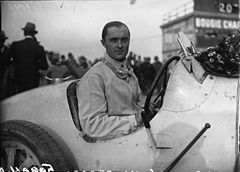 Louis Chiron in Montlhéry in 1927.jpg