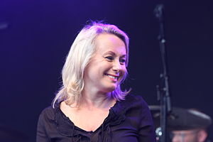 Louise Hoffsten - Image: Louise Hoffsten live 2