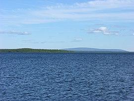http://upload.wikimedia.org/wikipedia/commons/thumb/b/b9/Lovozero_Lake.JPG/270px-Lovozero_Lake.JPG
