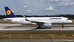 Lufthansa Airbus A320-200 (D-AIUP) at Frankfurt Airport.jpg