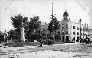 Malone, New York - Main Street, Malone, 1907