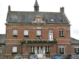 The town hall in Longueil-Annel