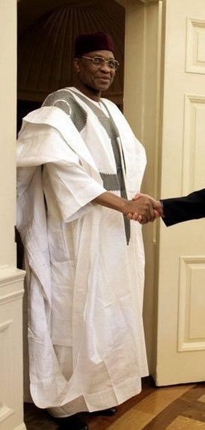 Agbada - Nigerien President Mamadou Tandja wearing a grand boubou