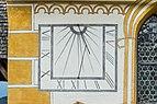 Maria Wörth Rosenkranzkirche S-Wand Sonnenuhr 05122018 6435.jpg