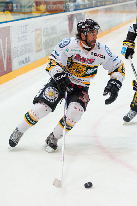 Maxime Talbot playing for Tampereen Ilves during the 2012 NHL lock-out Maxime Talbot 2012 3.jpg