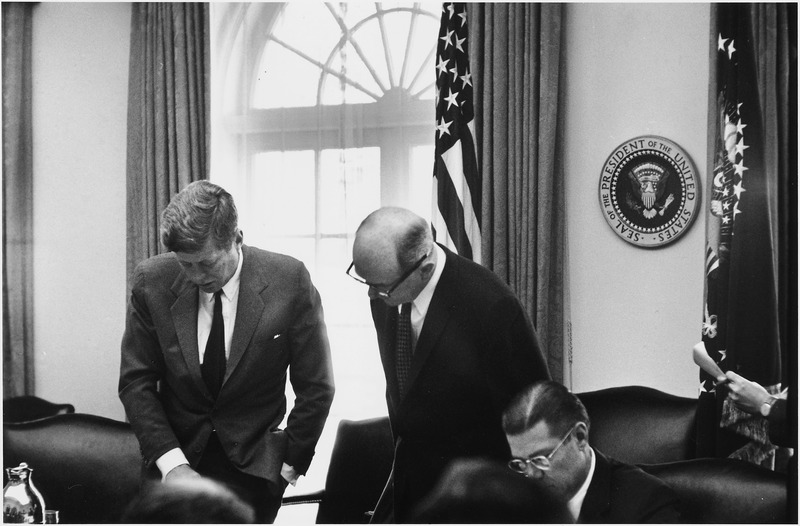 File:Meeting of the Executive Committee of the National Security Council- Cuba Crisis. President Kennedy, Secretary of... - NARA - 194246.tiff