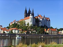 The late gothic Albrechtsburg castle in Meissen under Augustus II became the Royal-Polish and Electoral-Saxon Porcelain Manufacture (Source: Wikimedia)