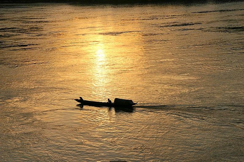File:Mekong Luang Prabang - panoramio - josef knecht.jpg
