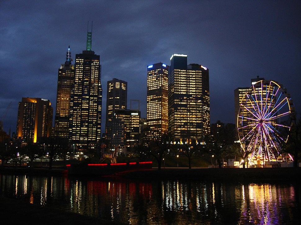 Melbourne CBD and the Yarra river at dusk - Australia