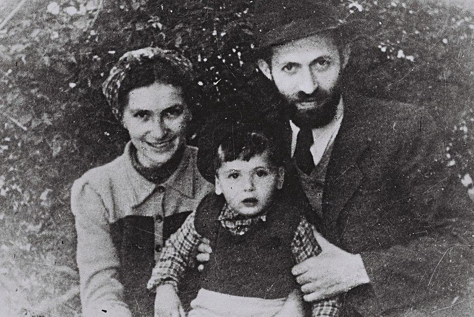 "Menahem Begin during his ""Rabbi Sassover"" period with wife Aliza and son Benyamin-Zeev in Tel Aviv"