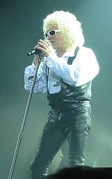 Michel Polnareff in una delle sue performance