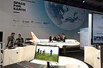 Modell des Forschungsflugzeugs ATRA am DLR-Stand (26787115863).jpg
