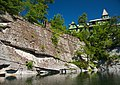 Mohonk Mountain House 2011 Glacial Cliff around Lake 4 FRD 3352.jpg