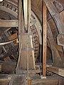Molen De Oostenwind, luiwerk pasbrug luiboom scharnier.jpg
