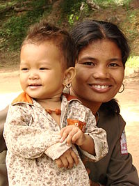 Mother and Child - Neak Pean - Angkor - Cambodia