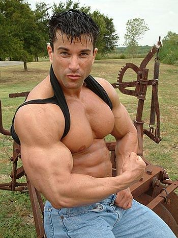 La Fondinto :Israeli-born bodybuilder and mode...