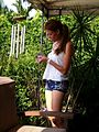 Mujer en Jardin 2008 000.jpg